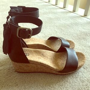 Ugh sandals, black leather and cork, size 7.5